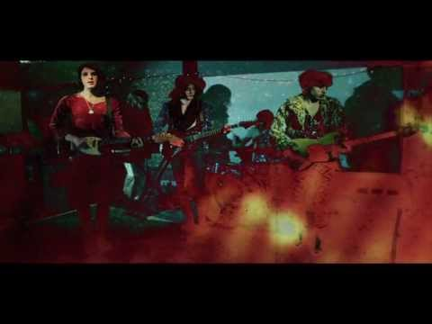 Charlie Boyer and The Voyeurs - Be Glamorous (Video)