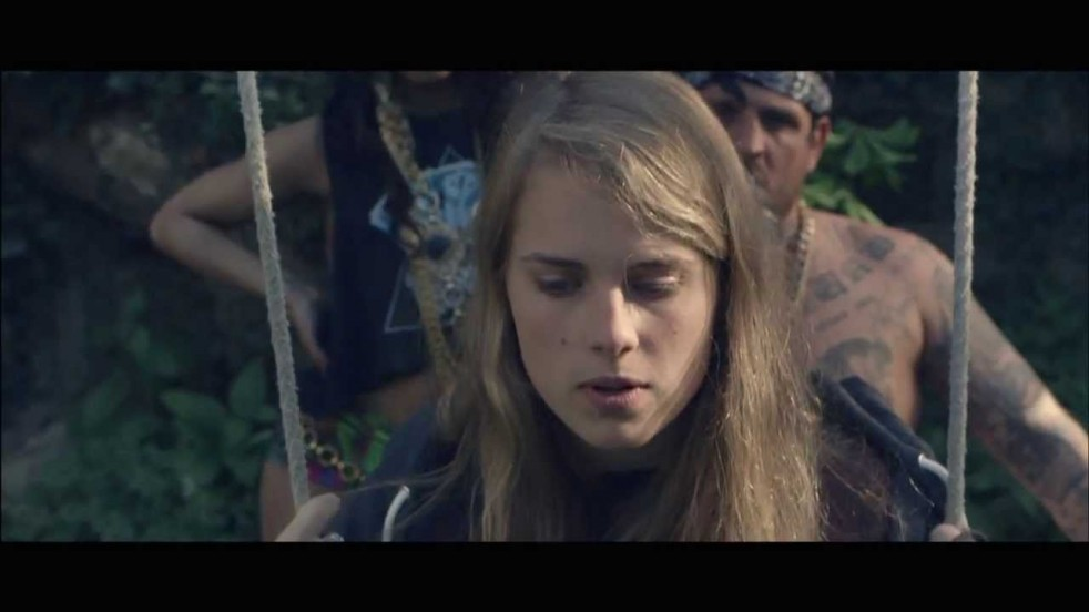 Video: Marika Hackman Bath Is Black